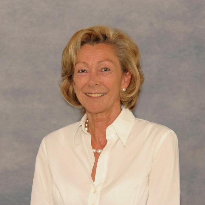 Dr. Marion Dietl